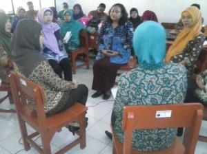 Praktek Layanan bimbingan Kelompok Guru sasaran BK Implementasi Kurikulum 2013