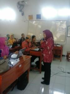 Praktek Layanan Klasikal Pelatihan Guru sasaran BK Implementasi Kurikulum 2013