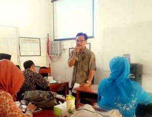 Saat memberikan Pelatihan Guru Sasaran BK dalam Implementasi Kurikulum 2013