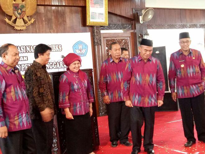 Mendikbud Prof Dr. Muhajir Efendy saat setelah membuka acara Rakornas IBKS